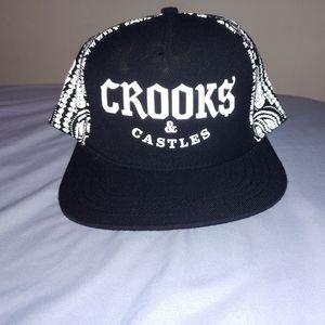 Crooks & Castles fitted snapback.